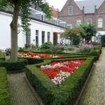 Hofje-in-den-groene-tuin